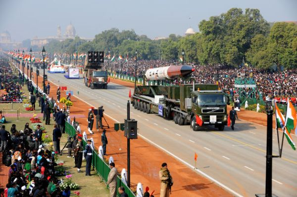 India_displaying_Agni_5_ICBM_at_Republic_day_parade_2013